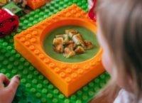 Placematix – dětské stavebnicové nádobí, které udrží děti u stolu