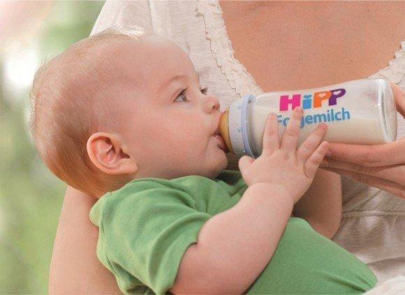 Mléčná kojenecká výživa inspirovaná mateřským mlékem